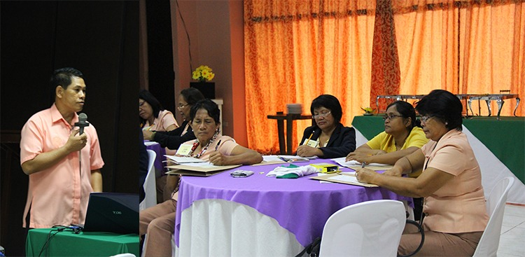 Dr. Emmanuel T. Baltazar, Director of the University Extension, discusses the ethics of a trainer to the participants.