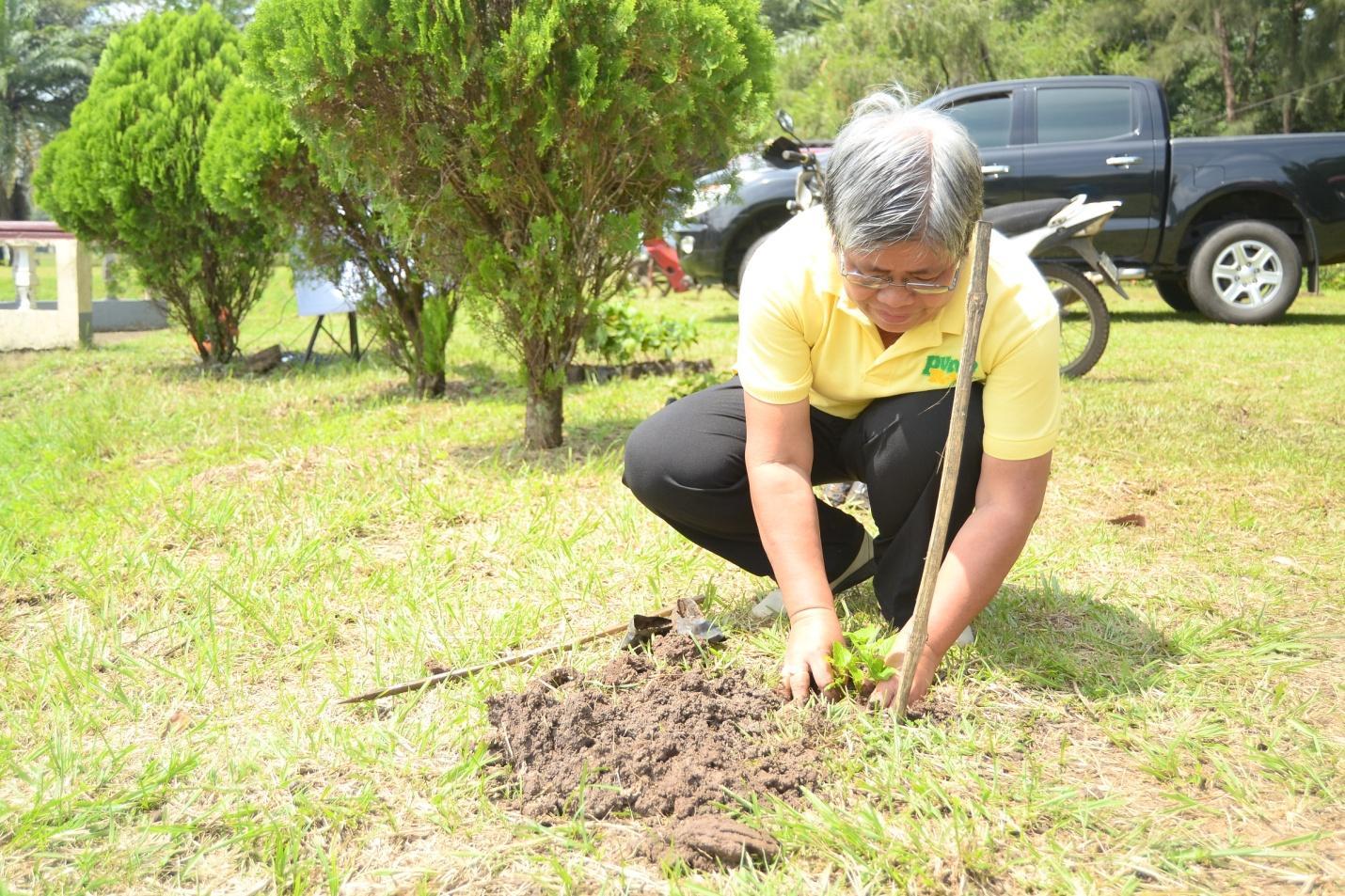 Symbolic Tree Planting at Full Bright Garden