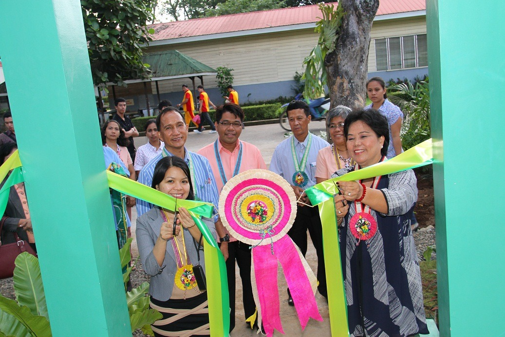 Dr. Maria Luisa R. Soliven and Engr. France Gayzil Caceres lead the ribbon cutting