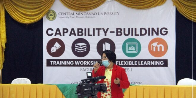 CMU-DOI initiates training workshop for flexible learning