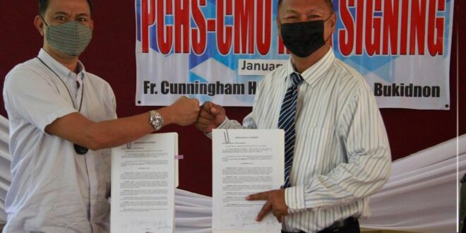 Central Mindanao University inks agreement with Pangantucan Community High School (PCHS) that aims to plan, implement, monitor, and evaluate RDE programs and projects for the development of PCHS.
